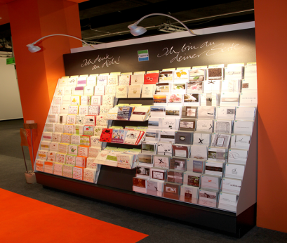 Kartentruhe, Kartenwand, Kartentreppe, Grußkarten, Glückwunschkarten, Papeterie, Papierfachhandel