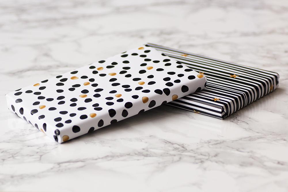 freebie geschenkpapier f r weihnachten schwarz wei hanra gru kartenblog. Black Bedroom Furniture Sets. Home Design Ideas
